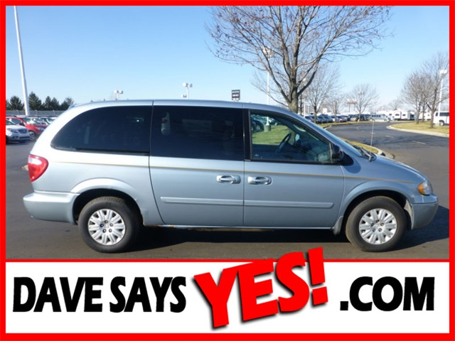 Used Chrysler Town & Country LX